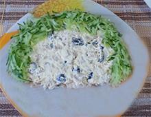 выкладываем салат долькой