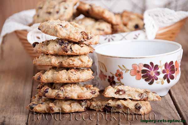 Овсяное печенье с сушеным барбарисом