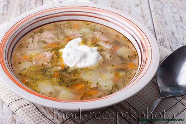 Суп рассольник с мясными консервами