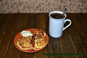 готовые сырники с кофе