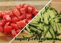 нарезать помидоры и огурцы
