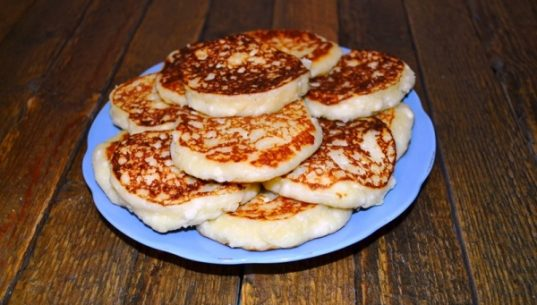 сырники на тарелке