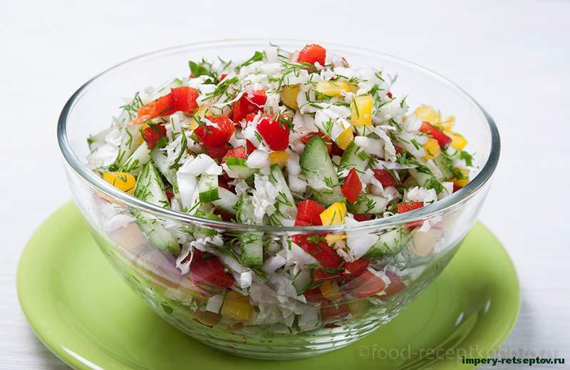Свежий и легкий салат из пекинской капусты