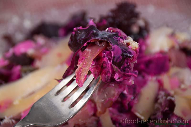 Салат из молодой свёклы с хреном