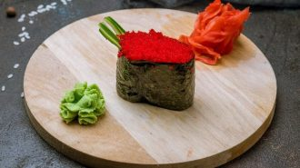 суши гункан с тобико