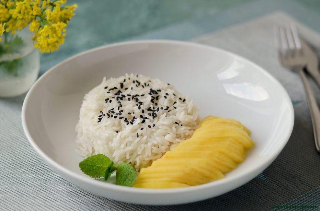 Сладкий рис с манго по-тайски