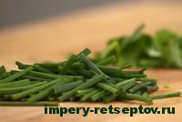 нарезать зеленый лук
