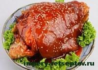 свиная рулька в соевом соусе