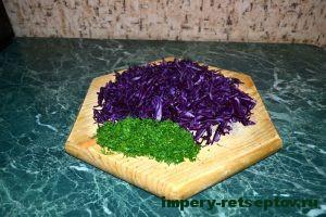 нарезать капусту и укроп