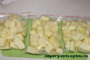 Кабачок кубиками в мешочках для заморозки